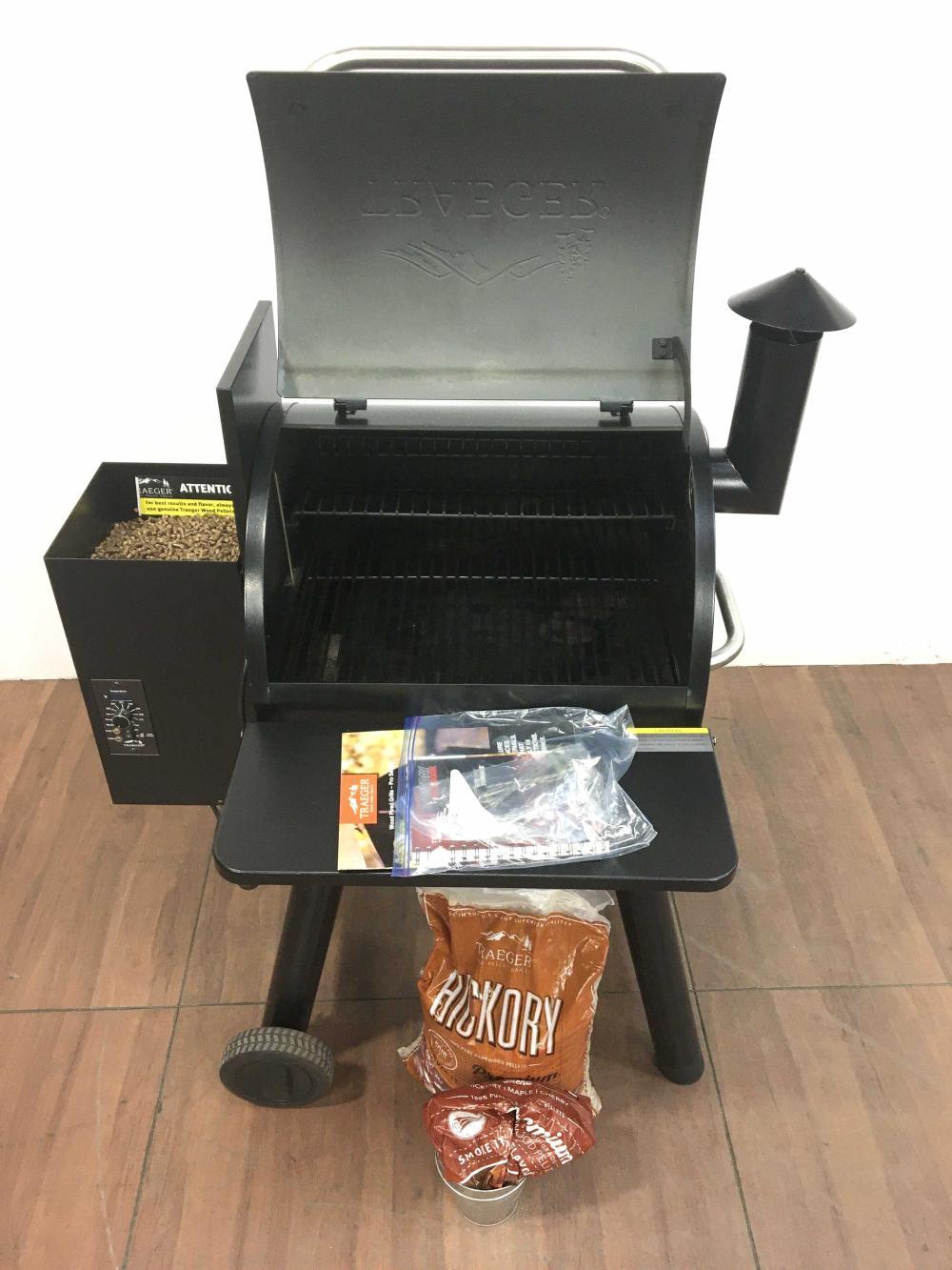 Lot - Electric Traeger Junior Elite Wood Pellet Grill