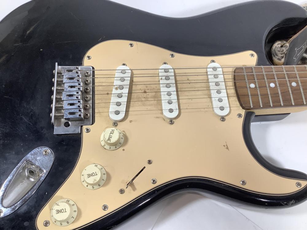 Vintage Fender Squier Stratocaster