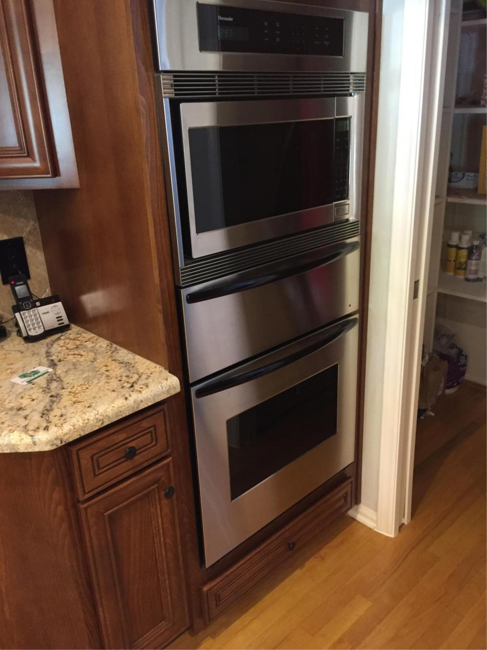 Thermador Electric Double Oven - Smw272