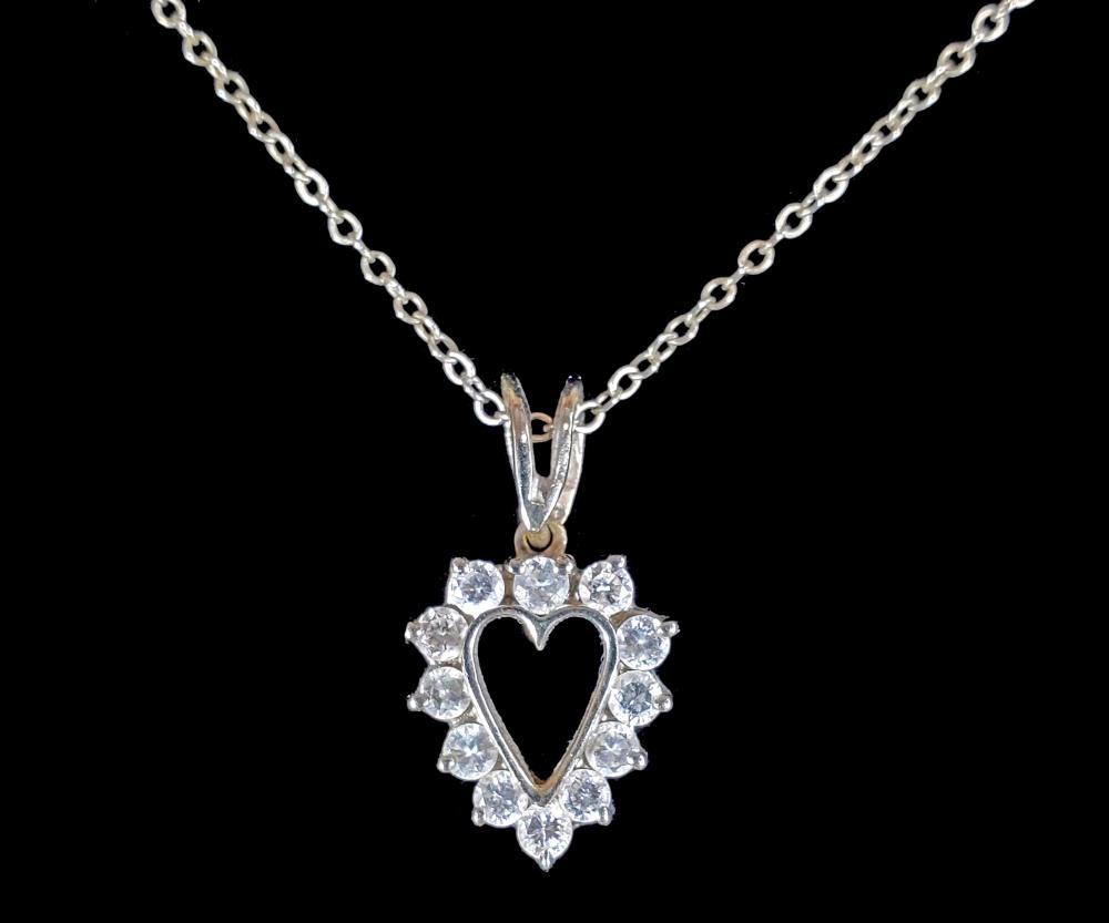 14k White Gold & Diamond Heart Pendant Necklace