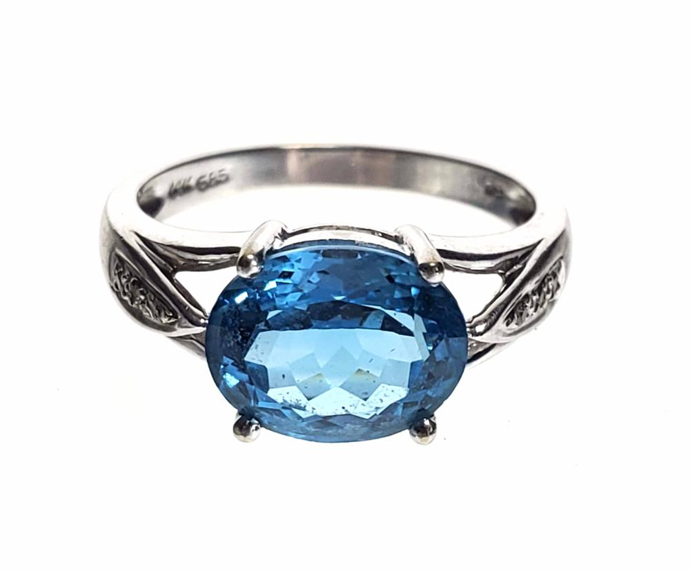 14K White Gold, Diamond & Aquamarine Ring Size (7)