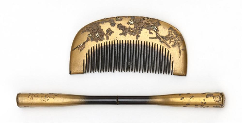JAPANESE CASED GILT LACQUER COMB AND KANZASHI Both decorated with floral sprays. Kanzashi signed. Length 6