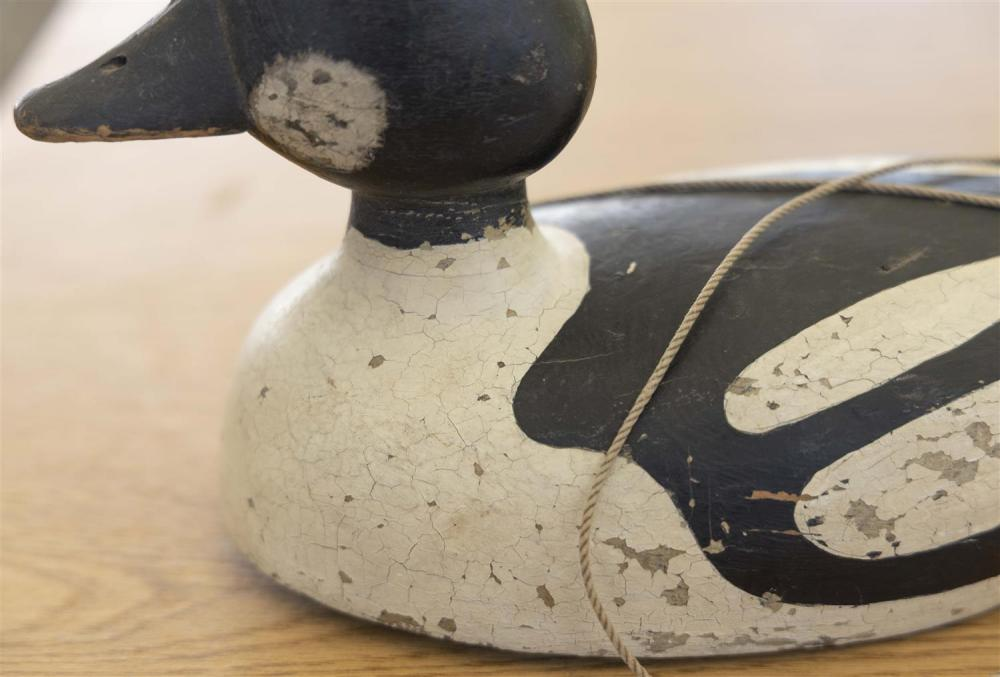 ONTARIO GOLDENEYE DRAKE DECOY Maker unknown. Hollow-carved. In-use repaint shows minor flaking and wear. Length 13.75