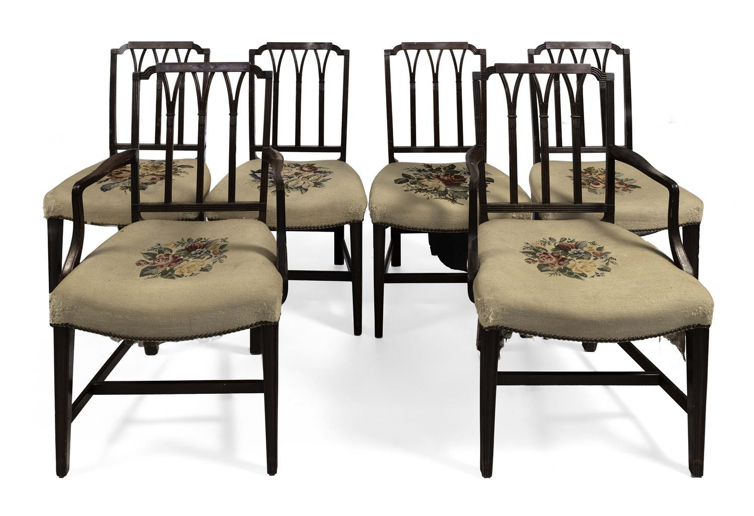 SET OF SIX FEDERAL PORTSMOUTH-STYLE DINING CHAIRS Two armchairs and four side chairs. In mahogany. Backs with low flat crest rails a...