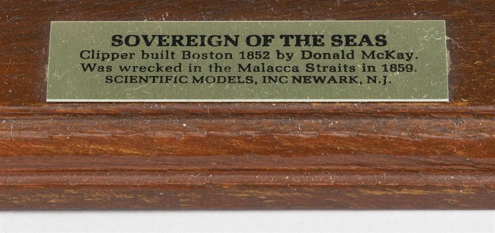 MODEL OF THE SOVEREIGN OF THE SEAS Black and green hull. Height 16
