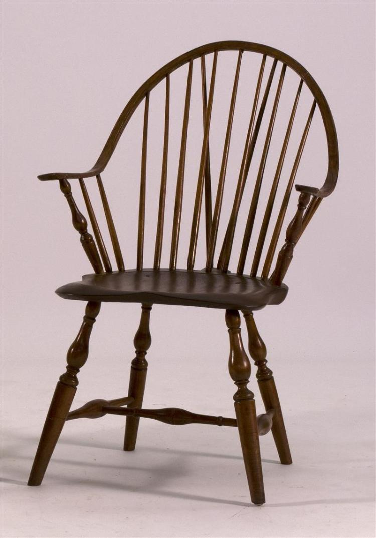 ANTIQUE AMERICAN WINDSOR BRACE-BACK CONTINUOUS ARMCHAIR Arms