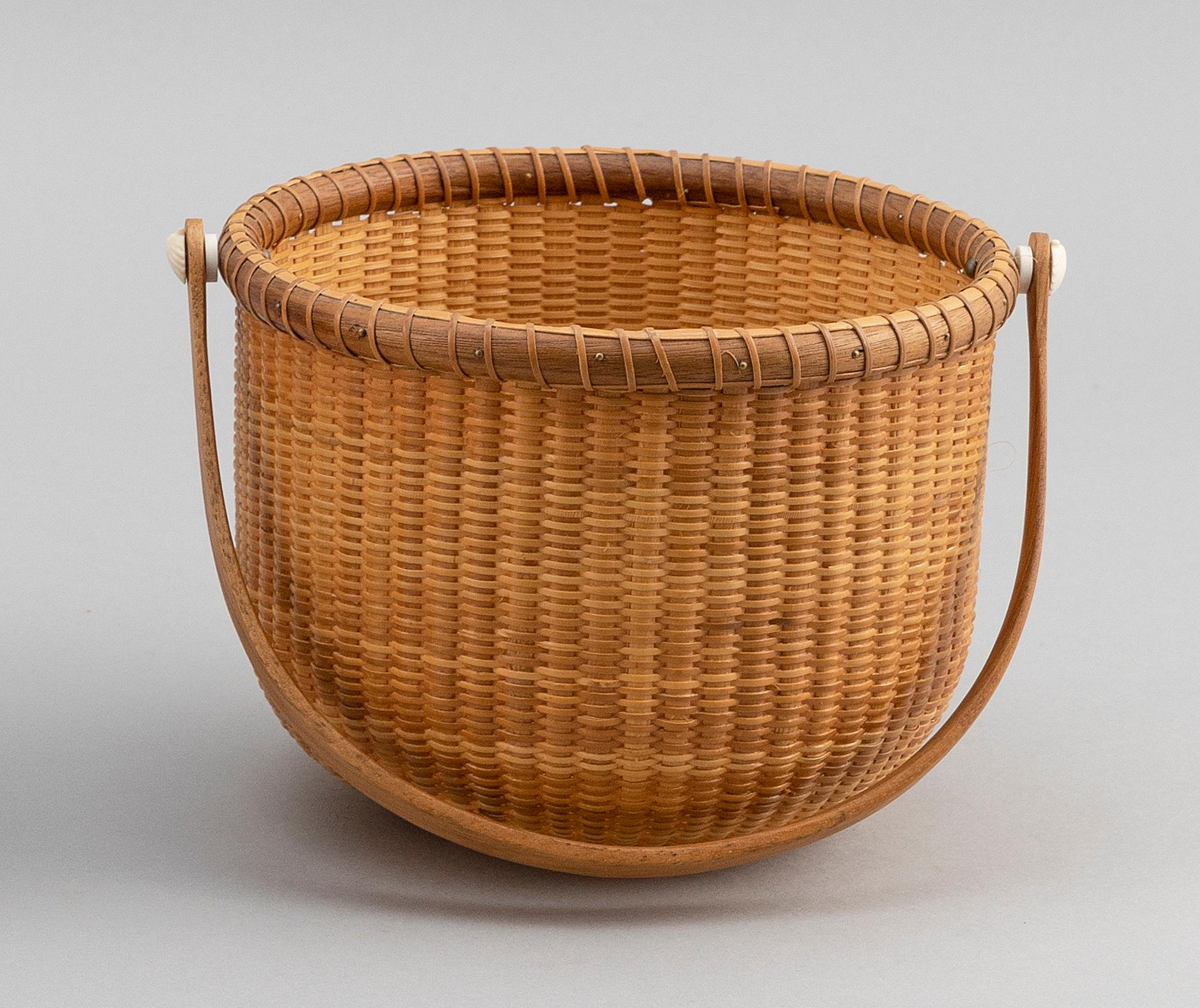 """NANTUCKET BASKET BY MARION FREMONT-SMITH Massachusetts, Contemporary Height 5"""". Width 6.5""""."""