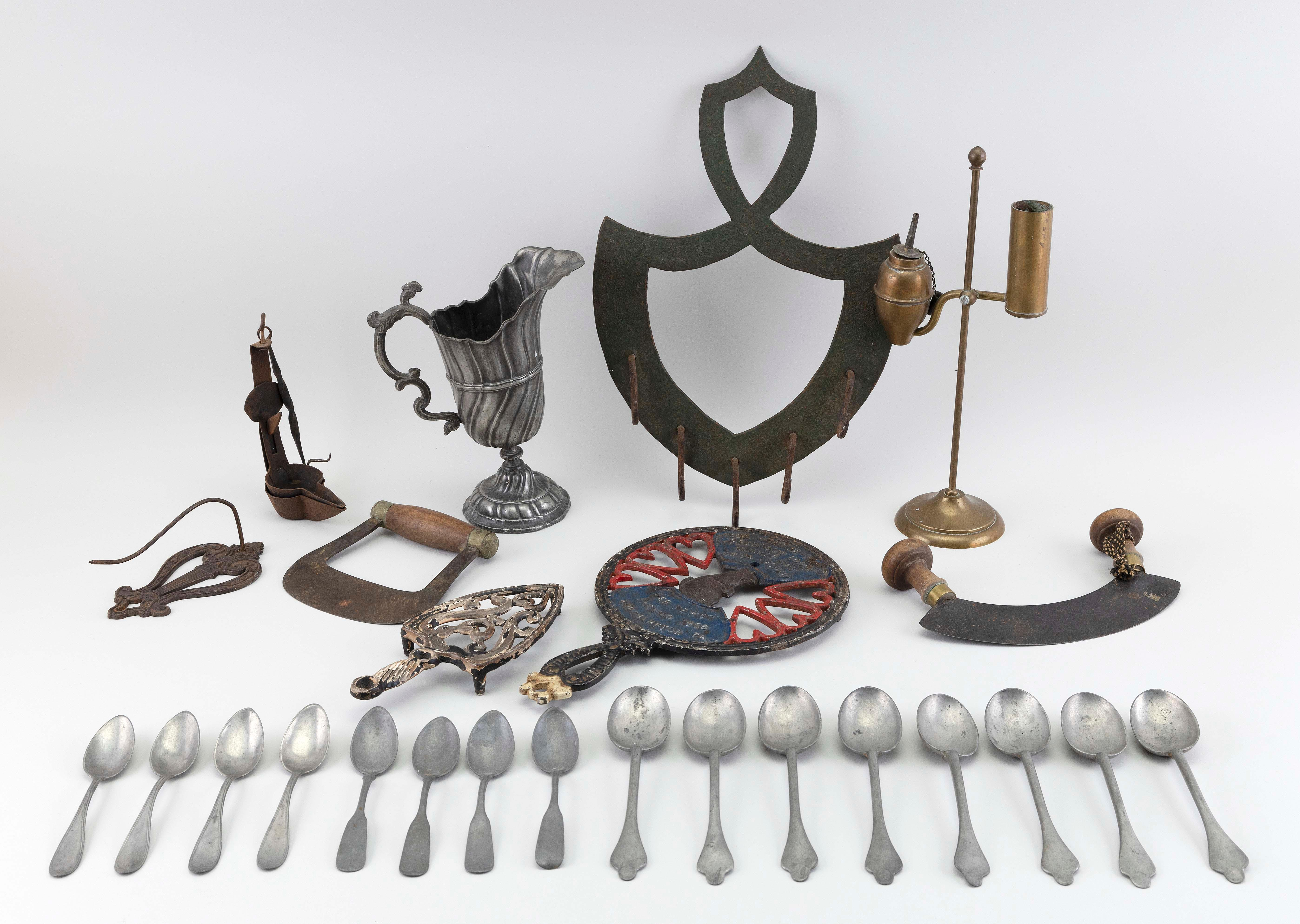 """TWENTY-FIVE ASSORTED METAL ITEMS 19th and 20th Century Largest height 15.75""""."""