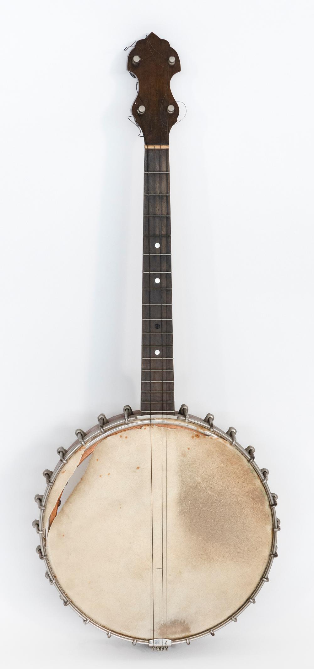 """VINTAGE FAIRBANKS TYPE """"N"""" BANJO America, 1920s Banjo length 29.5""""."""