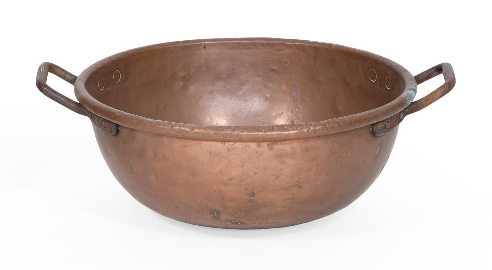 """LARGE COPPER POT 19th Century Height 9"""". Diameter 21.5"""". Overall width including handles 26.5""""."""