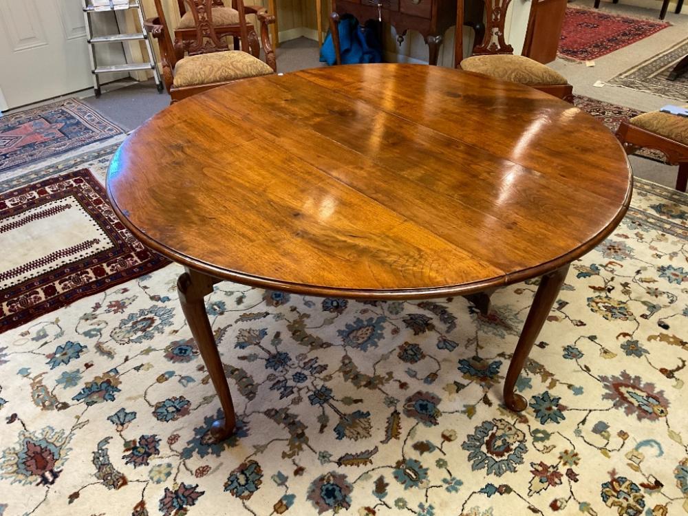 GEORGIAN DROP-LEAF TABLE Mid-18th Century Height 29