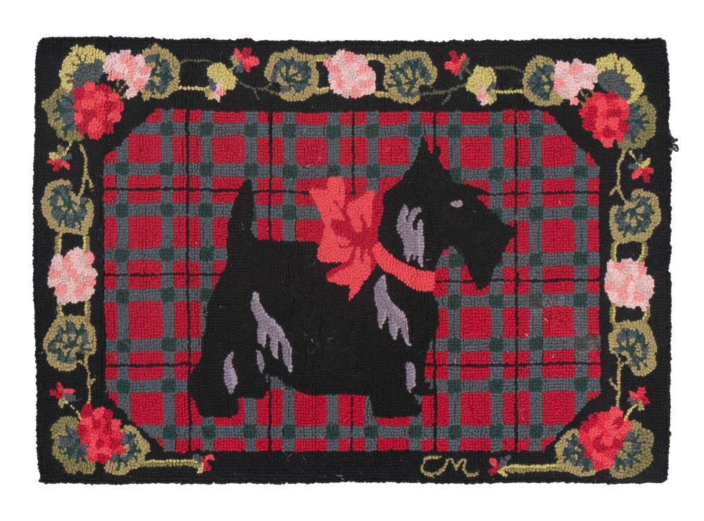 """CLAIRE MURRAY HOOKED RUG Contemporary 25"""" x 37""""."""