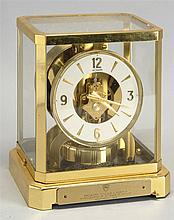 ATMOS CLOCK in brass and glass case. Height 9