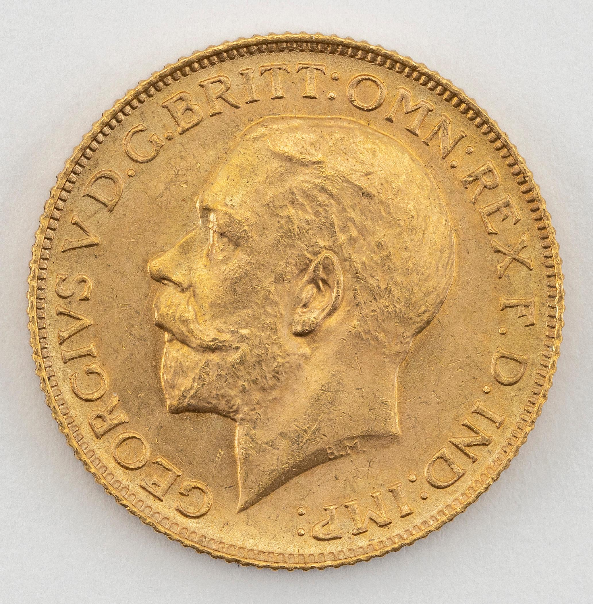 """1925 GREAT BRITAIN GEORGE V SOVEREIGN GOLD COIN Diameter 1""""."""