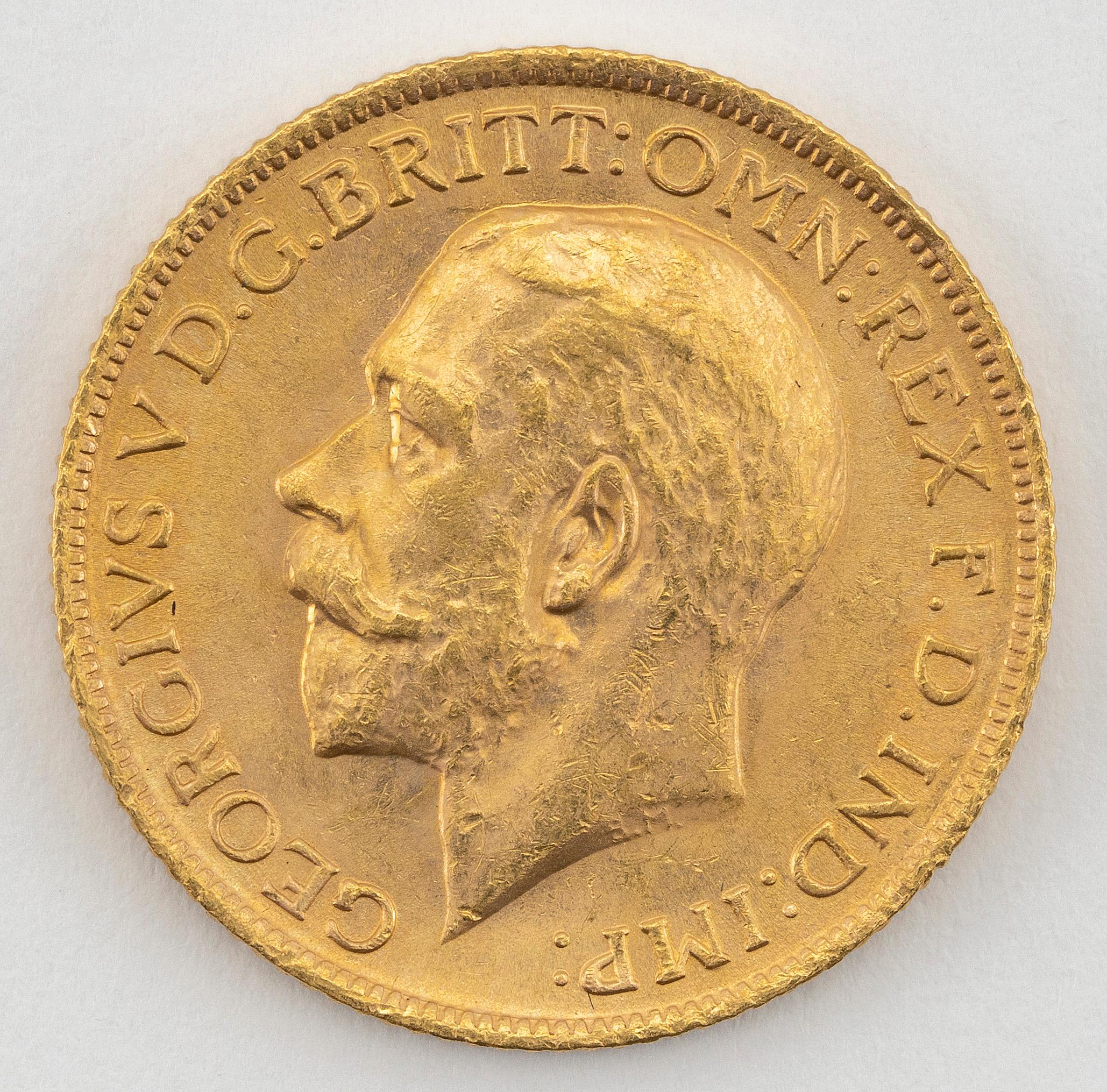 """1914 GREAT BRITAIN GEORGE V SOVEREIGN GOLD COIN Diameter 1""""."""