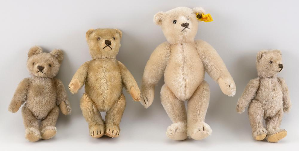 """FOUR STEIFF BEARS 1920-2000 Heights from 7"""" to 9""""."""