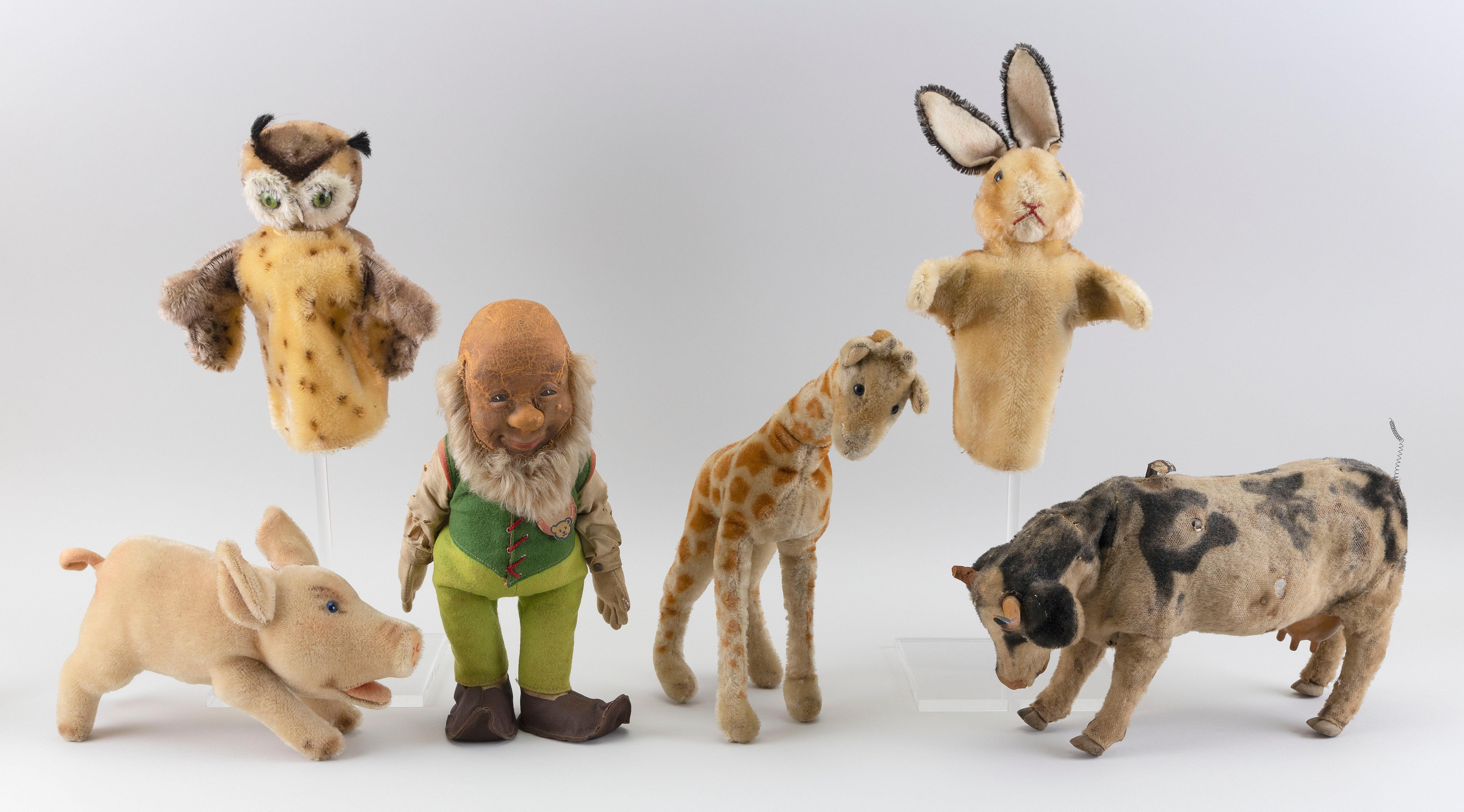 """FIVE STEIFF TOYS 20th Century Heights from 7"""" to 12""""."""