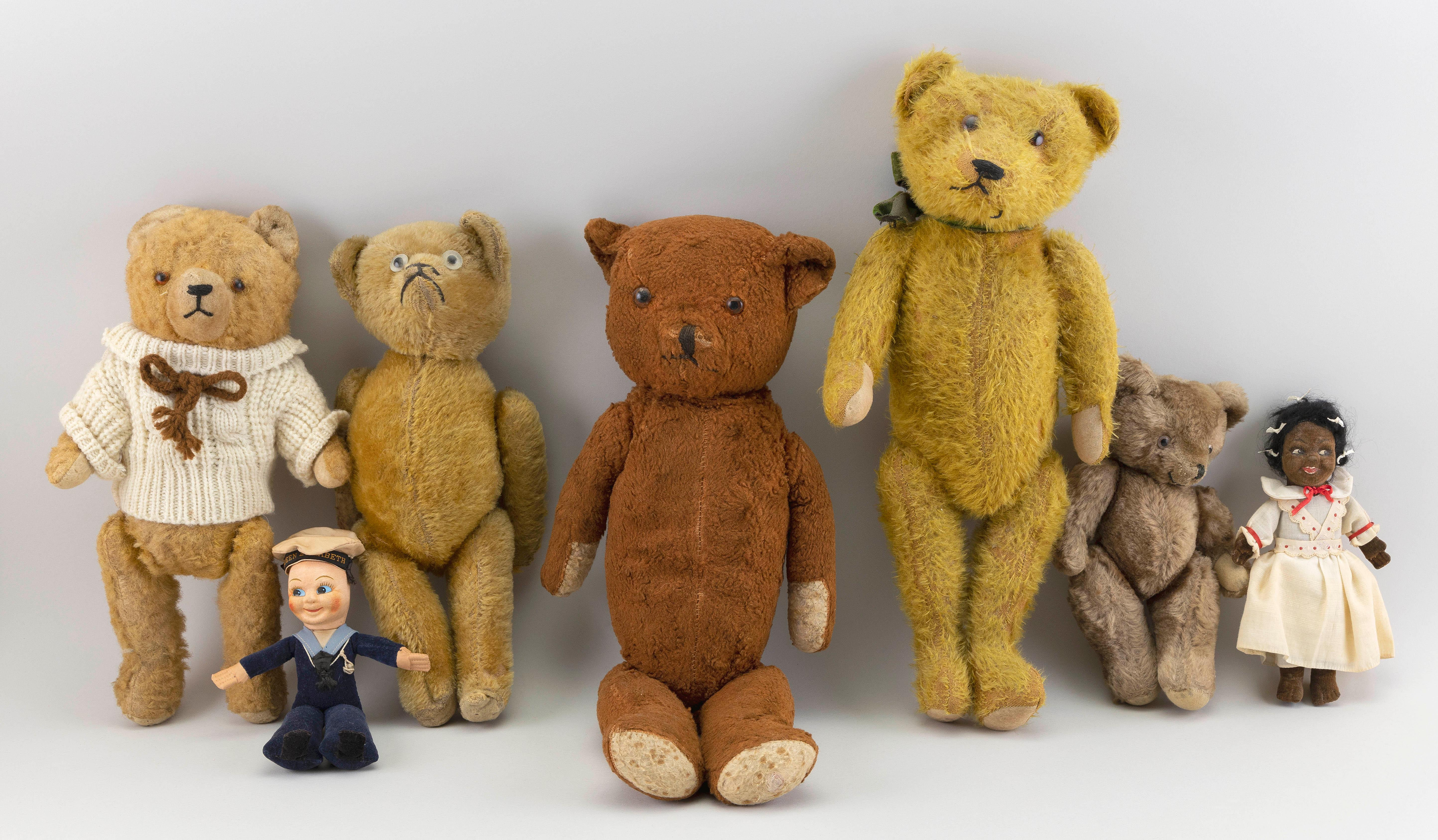 """FIVE ENGLISH TEDDY BEARS AND TWO NORAH WELLINGS DOLLS 20th Century Heights from 7"""" to 18""""."""