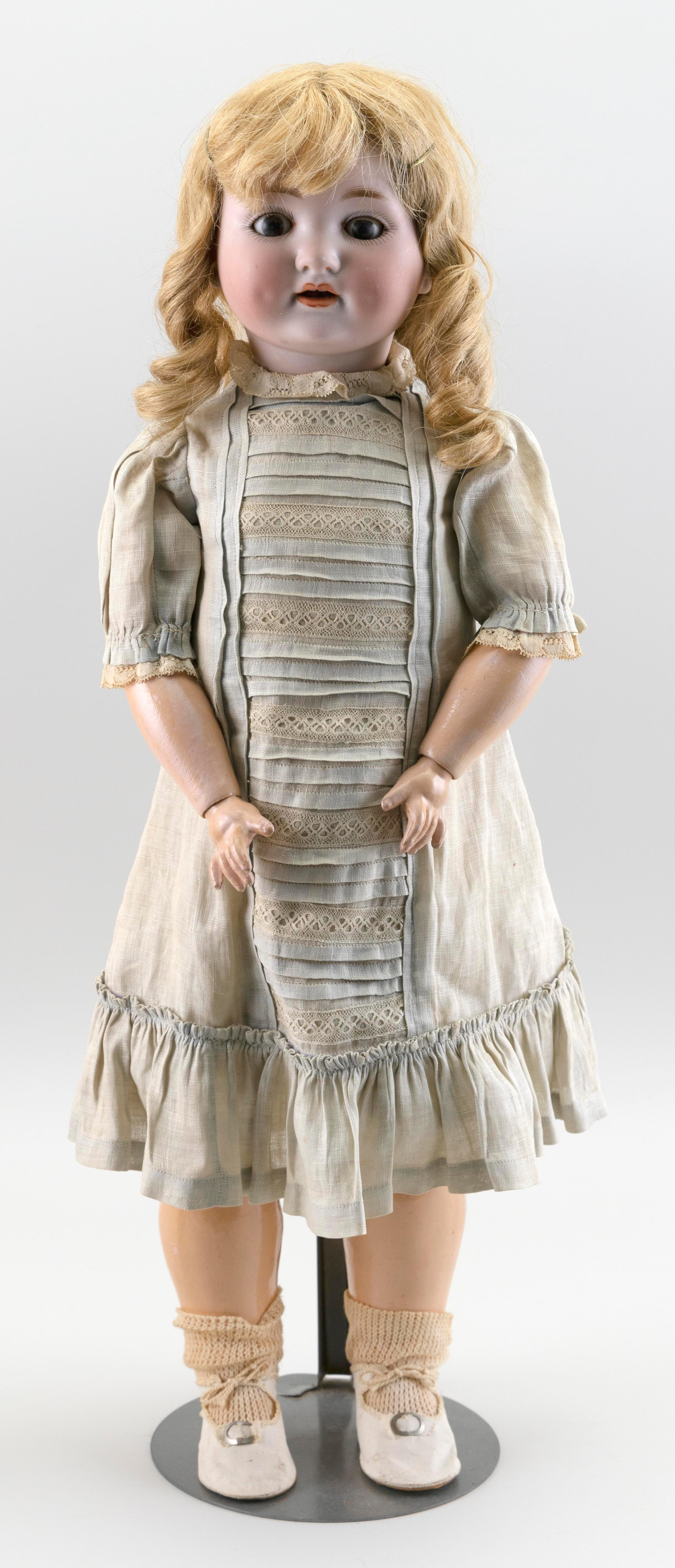 """ARMAND MARSEILLE 985 BISQUE-HEAD DOLL 1910 Height 23""""."""