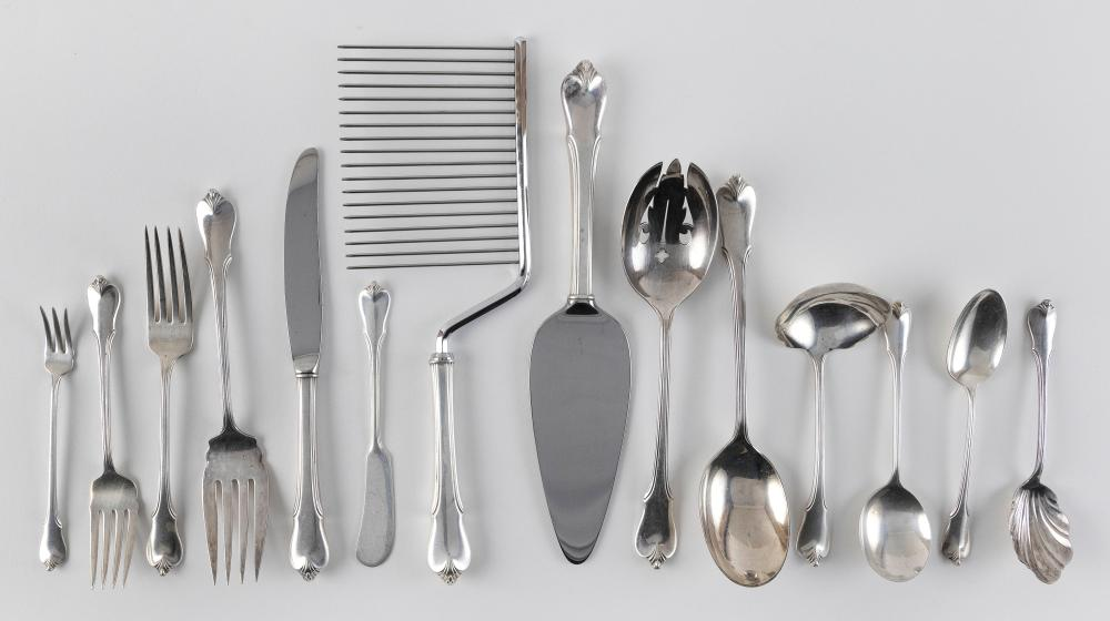 """WALLACE """"GRAND COLONIAL"""" STERLING SILVER FLATWARE SERVICE Approx. 89.9 total troy oz. weighable"""