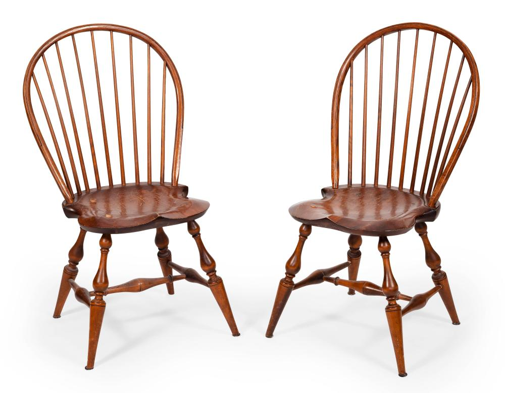"""PAIR OF DAVID LEFORT BOWBACK WINDSOR CHAIRS Massachusetts, 20th Century Back heights 37.5"""". Seat heights 17.5""""."""