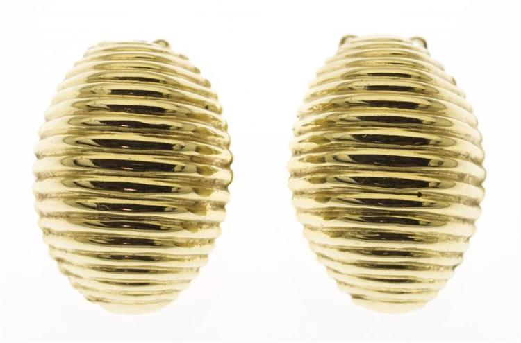 PAIR OF 14KT GOLD CLIP-ON EARRINGS Ovoid with ribbed design. Approx. 2.92 dwt.