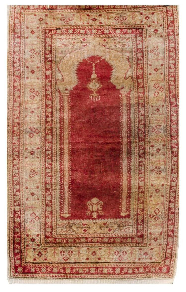 ORIENTAL RUG: TURKISH PRAYER 2'0