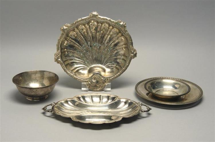 FOUR PIECES OF AMERICAN STERLING SILVER HOLLOWWARE 1) Arthur Stone Revere bowl with benchman's mark for Herbert A. Taylor. Diameter...