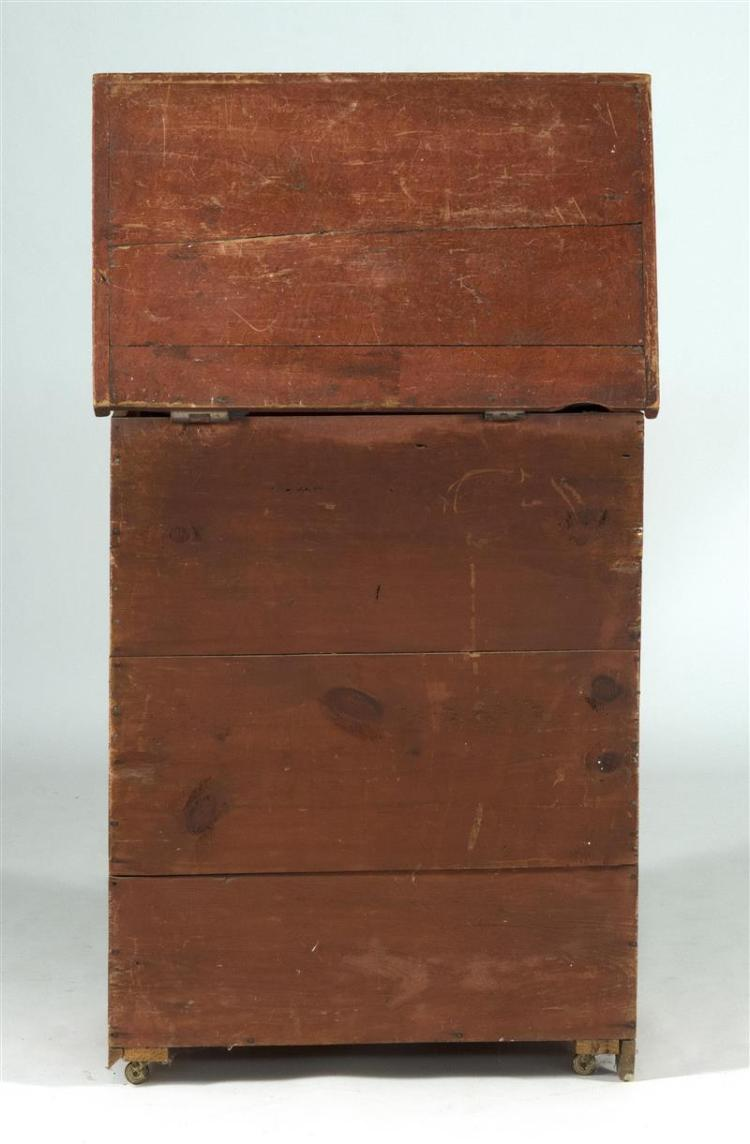 ANTIQUE AMERICAN BLANKET CHEST In pine with red grain-painted finish. Single drawer with brass bail handles. Height 36.5