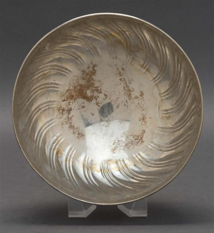 TIFFANY & CO. STERLING SILVER CENTER BOWL With reserve of scrolling acanthus leaves above spiraled gadrooning. Presentation inscript...