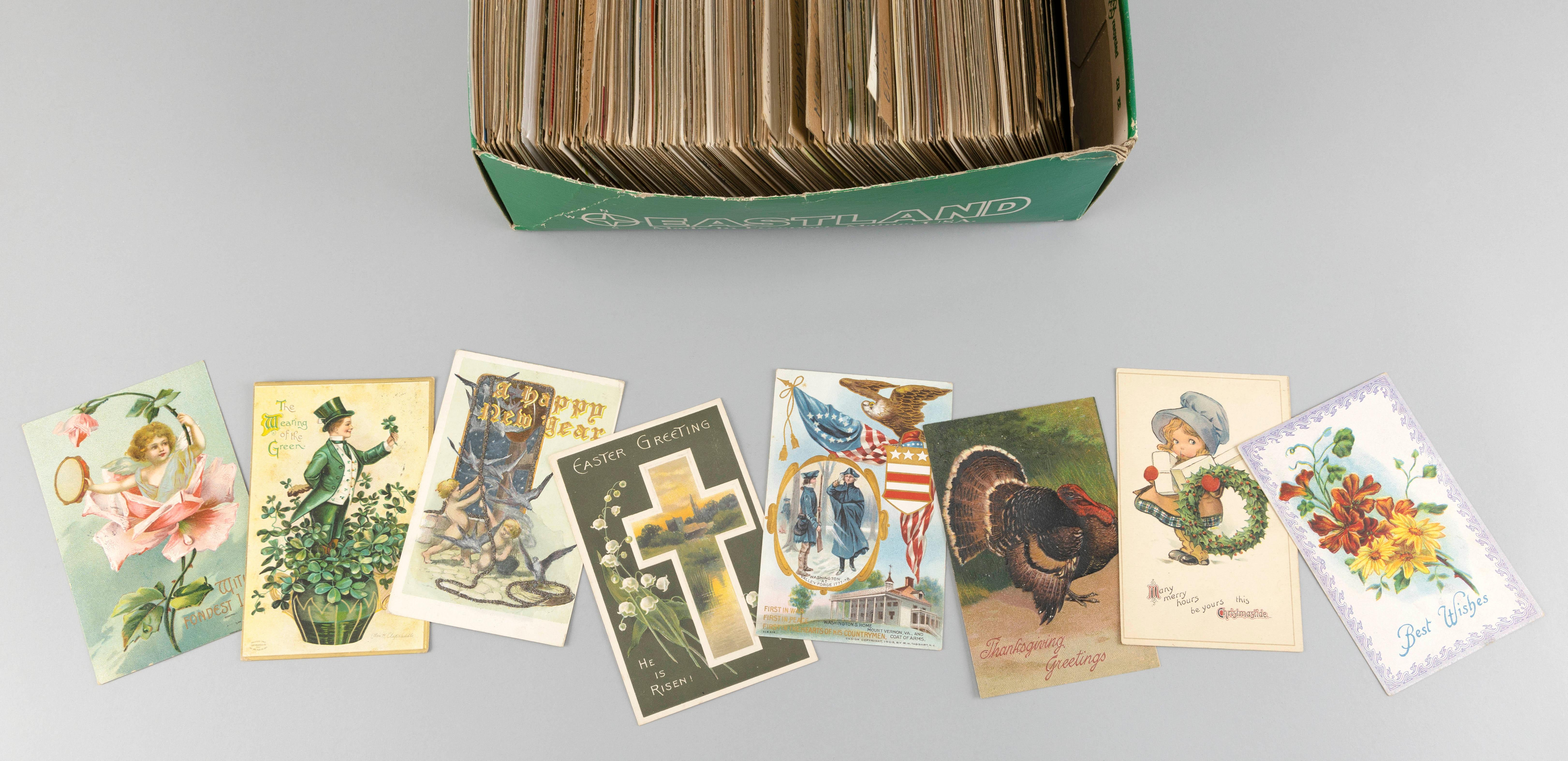 (TOPICAL: HOLIDAYS AND GREETINGS) APPROX. 425 POSTCARDS Includes: New Year's, Easter, Christmas, Thanksgiving and more. Publishers i...
