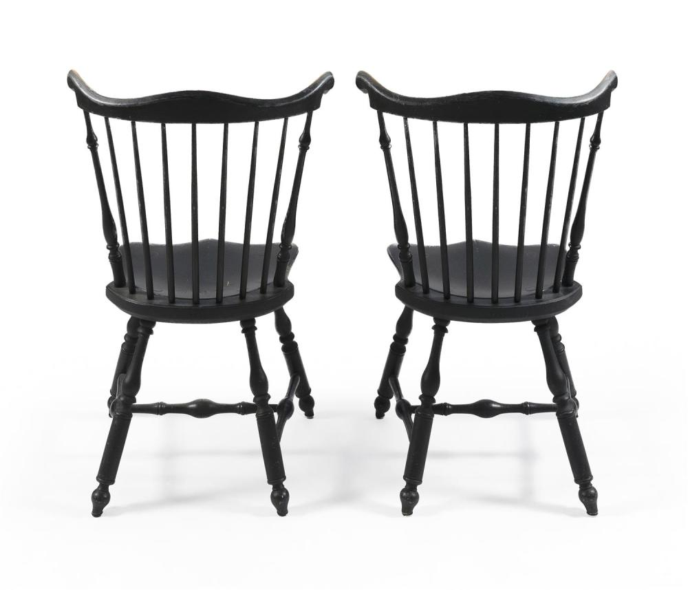 SIX CONTEMPORARY WINDSOR FAN-BACK SIDE CHAIRS Painted green. Carved rabbit ears. Turned legs. Underside of seats stamped