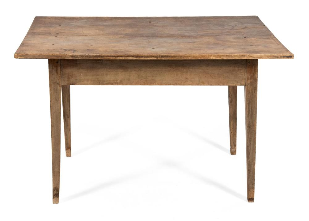 HEPPLEWHITE TAVERN TABLE In pine, with square tapered legs. Height 27.5
