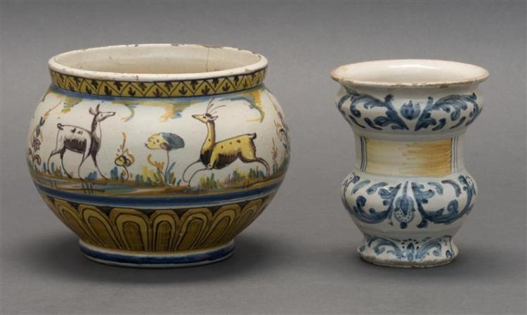 TWO PIECES OF ITALIAN FAÏENCE POTTERY Ovoid jar with animal decoration, diameter 6.75