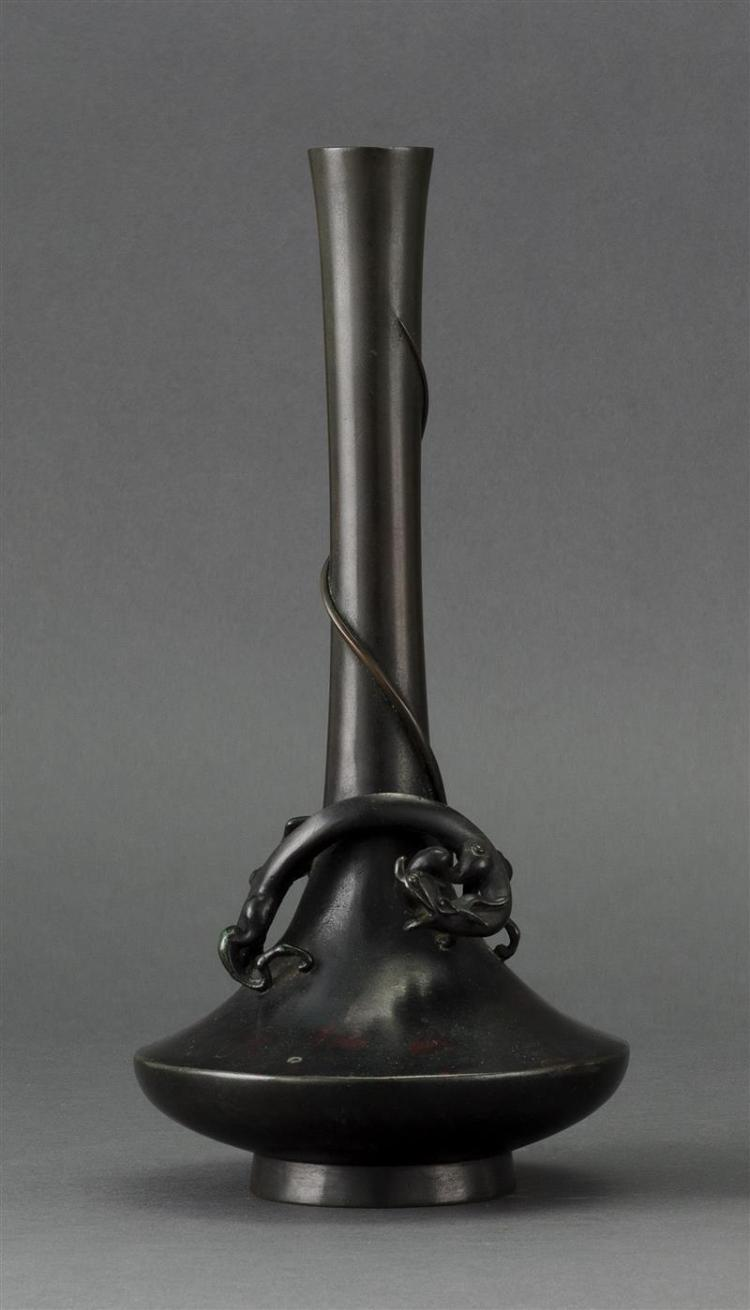 BRONZE VASE In mallet form with high-relief dragon design. Height 10.25