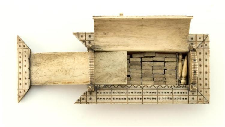 NAPOLEONIC PRISONER-OF-WAR BONE CRIBBAGE BOARD AND DOMINO SE