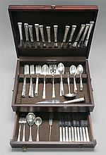 LUNT SILVERSMITHS CASED STERLING SILVER FLATWARE SET In the
