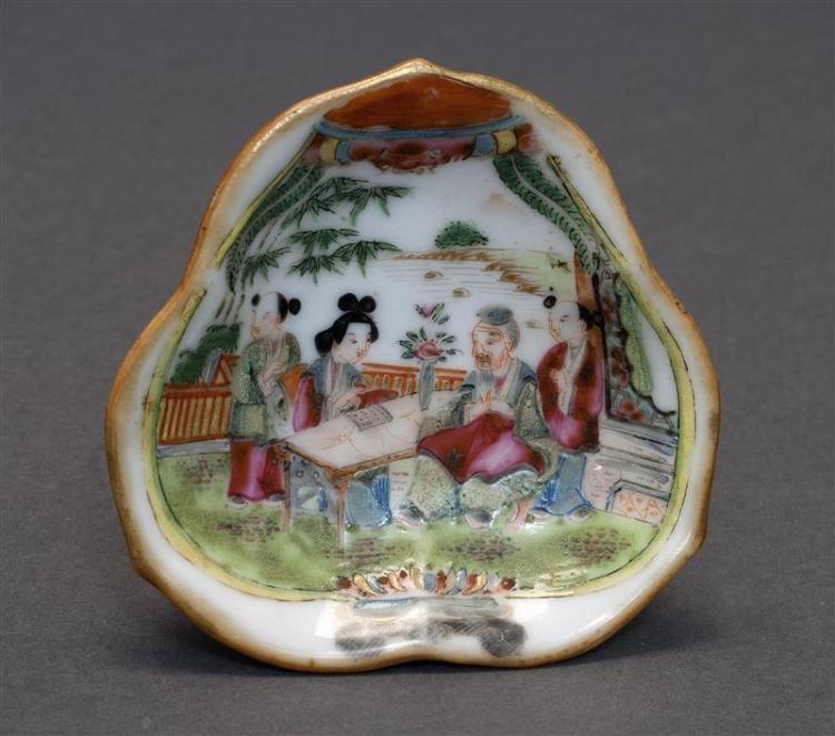 FAMILLE ROSE PORCELAIN FOOTED DISH In ruyi fungus form with figural decoration. Length 3.1
