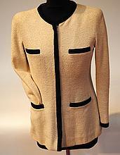 CHANEL - veste de coton beige et noir, fermeture à glissière, deux fausses poche