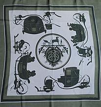 HERMES, paris - carré de soie, 90 x 90 cm, thème  Ex Libris , bord vert, fond be