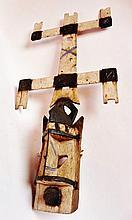 Ancien et rare masque anthropo-zoomorphe Kanaga de danses rituelles de l'association Awa - Peuple DOGON - Mali - Bois léger peint de couleurs locales et végétales, blanc, noir - Dimensions: H. 121,5 cm - L. 57,5 cm. Provenance: Collection privée d'un