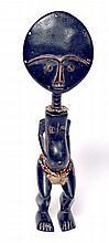 Belle poupée de fécondité Ashanti, Ghana, bois à patine luisante, tissu, perles,