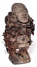 fétiche Congo Nkisi à clous, années 60, mais dans le style, ces fétiches sont de