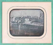[DAGUERRÉOTYPE]. Notre-Dame de Paris et ancienne passerelle de la Cité (vue inve