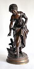 Auguste MOREAU (1834-1917) Jeune paysanne nourrissant poule et poussins. Bronze
