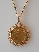 PIÉCE de 10 francs or 1868 montée en pendentif à l'effigie de Napoléon III et CH