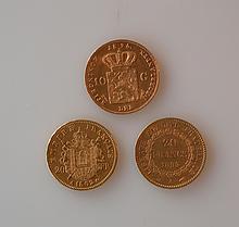 TROIS PIECES d'or: une pièce de 10 florins 1875, une pièce de 20 francs or Napol
