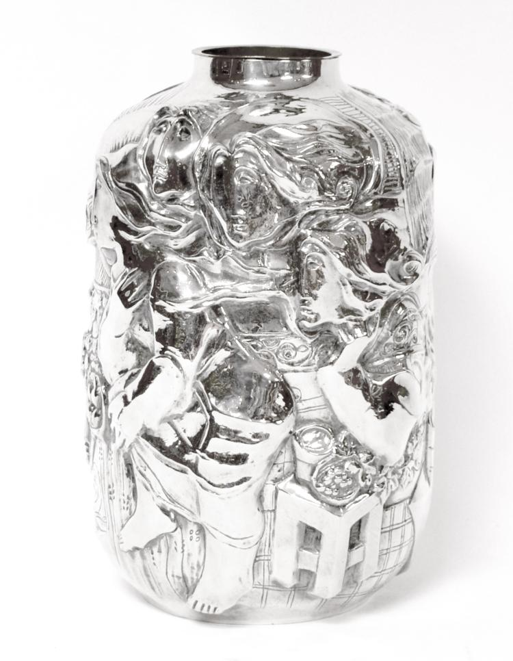 alvar vase cylindrique en bronze argent orn d 39 un d cor e. Black Bedroom Furniture Sets. Home Design Ideas