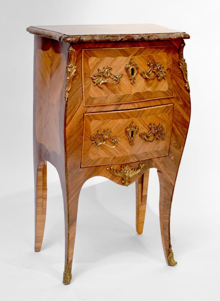 petite commode en placage de bois de rose ouvrant deux tiro. Black Bedroom Furniture Sets. Home Design Ideas