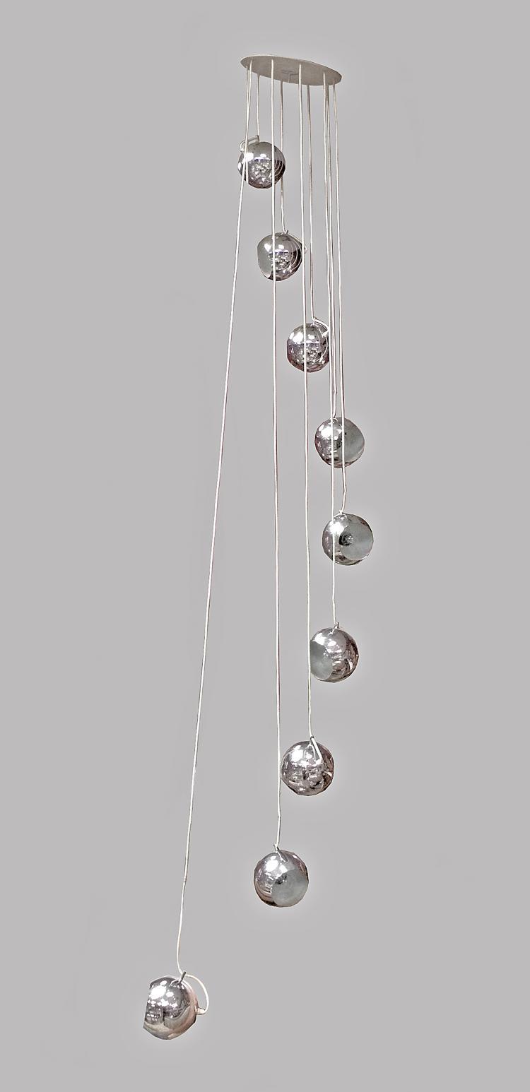 importante suspension d 39 escalier neuf sph res clairante e. Black Bedroom Furniture Sets. Home Design Ideas